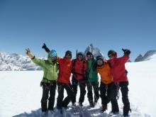 Nous voilà au Col de valpelline, une superbe et longue descente nous attend pour rejoindre Zermatt.