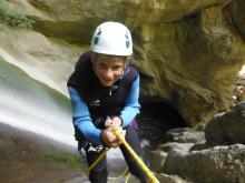 Pour les descentes de canyon, les enfants doivent avoir au moins 13 ans.